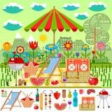 Sommarpicknick i ängen med bergsikter Royaltyfri Fotografi