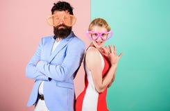 Sommarsemester och mode Frienship av mannen och kvinnan hipster fotografering för bildbyråer