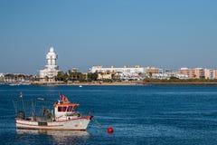 Sommarsikt av stillhetvattnet nära Isla Cristina, Spanien Royaltyfria Bilder