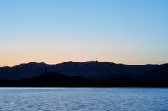 Sommarslotten efter solnedgång arkivfoto