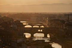 Sommarsolnedgång i Florence Italy arkivfoton