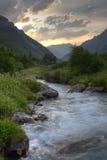 Sommarsolnedgång på norr Caucasus royaltyfri fotografi