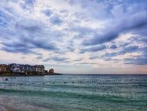 Sommarstrand, himmel och hav arkivfoto