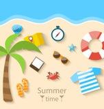 SommarTid bakgrund med färgrika enkla symboler för lägenhetuppsättning Arkivfoto