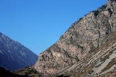 Sommartid för Kaukasus berg. Loppet för kanjon Adyl-Su Royaltyfria Foton
