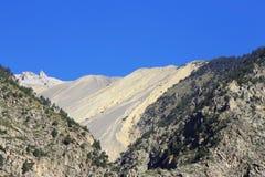 Sommartid för Kaukasus berg. Loppet för kanjon Adyl-Su Royaltyfri Fotografi