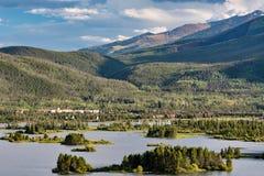 Sommartid på sjön Dillon, Colorado royaltyfri fotografi
