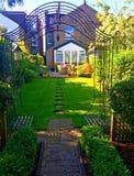 Sommarträdgård i London Fotografering för Bildbyråer