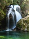 Somme de Faterfall de gorge de Vintgar La Slovénie saignée Image stock