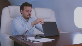 Sommeil au jet privé banque de vidéos