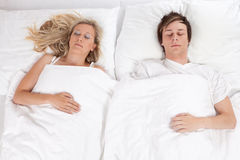 Sommeil de couples Images stock
