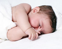 Sommeil mignon de bébé Photo libre de droits