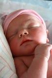 Sommeil nouveau-né de chéri Photo stock