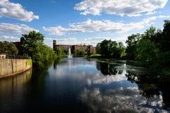 Sommer-Ansicht des Nashua-Flusses Lizenzfreie Stockfotos