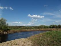 Sommer auf Fluss Lizenzfreie Stockfotos