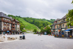Sommer am blauen Bergdorf, Collingwood, Kanada Lizenzfreie Stockfotografie