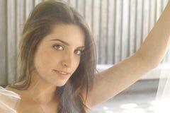 Sommer: Braut, die Hitze beschäftigt Lizenzfreies Stockfoto