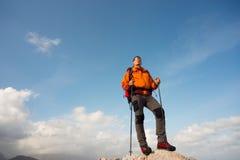 Sommer, der in den Bergen wandert Lizenzfreie Stockbilder