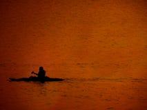 Sommer-Ferien Kayak fahrend Stockbild