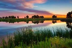 Sommer-Himmel von Juli stockbilder