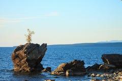 Sommer-Landschaft, der Baikalsee Stockbild