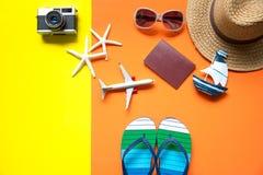 Sommer mit Modereise Tropisches Meer Ungewöhnliche Draufsicht Lizenzfreies Stockbild