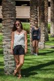 Sommer, Sonnenschein und Sonnenbrille Lizenzfreie Stockfotos
