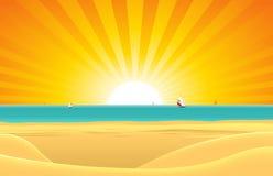 Sommer-Strand mit Segelboot-Postkarte Stockfotos