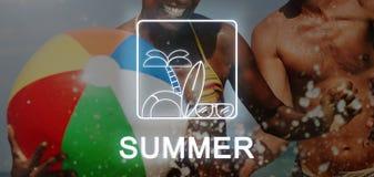 Sommer-Text-Sonnenbrille-Surfbrett-Palme Ikonen-Konzept lizenzfreie abbildung