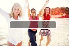 Sommer-Zusammengehörigkeits-Freundschaft, die Internet-Konzept sucht lizenzfreie stockbilder
