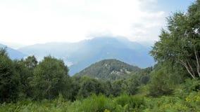 Sommeransicht von der Spitze der Schweizer Alpen nahe Locarno stock video