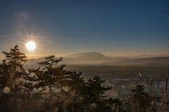 Sommerberge gestalten in Siebenbürgen, Rumänien landschaftlich lizenzfreie stockfotos