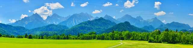 Sommerberge Panorama, Schwangau, Deutschland lizenzfreie stockfotos