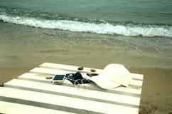Sommerferien in Meer lizenzfreies stockbild