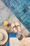 Sommerferien-Modekonzept stockfotos