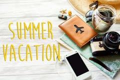 Sommerferientext, Reisewanderlustkonzept, Raum für Text Lizenzfreie Stockbilder