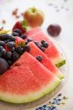 Sommerfrucht diente für gesunden Snack oder Nachtisch Lizenzfreie Stockbilder
