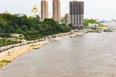 Sommerga sul fiume Amur vicino alla città di Chabarovsk Russia 31 07 2018 fotografia stock