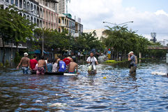 Sommergendosi a Bangkok Immagine Stock