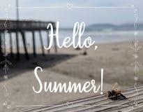 Sommerhintergrund mit Text hallo, Sommer stockbilder