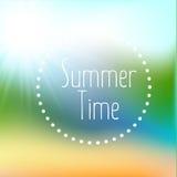 Sommerhintergrundsteigungsmaschenstrand und -ozean Hintergrund für Reisekarten Auch im corel abgehobenen Betrag stock abbildung