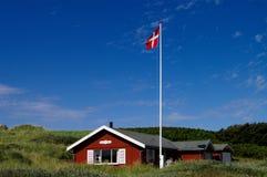 Sommerhus con il cielo Fotografie Stock Libere da Diritti
