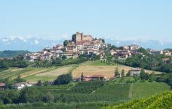 Sommerlandschaft in Langhe (Italien) Stockfotos