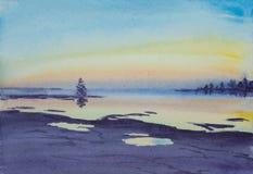 Sommerlandschaft mit See und Sonnenuntergang