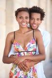 Sommerliche Paare in der Liebe Stockbild