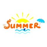 Sommerlogo mit Sonne, Meereswellen-ANG-Aufschrift Lizenzfreie Stockfotos