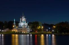 Sommernacht im Museum-Zustand Ostankino in Moskau lizenzfreie stockfotos