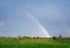 Sommernatur, Regenbogen Stockbild