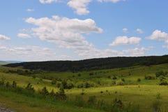 Sommernebeltag-timelapse Zeitspanne-Luft der Wolkensonnenuntergangreise Sturmansicht cloudscape Wettersonnen-Gebirgshimmel der be Stockfotos