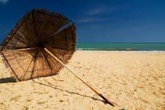 Sommerrücksortierungstrand lizenzfreie stockfotos